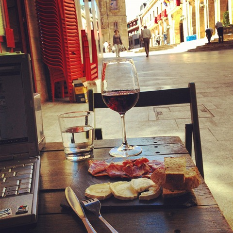 Enjoying vino y jamon in Oviedo
